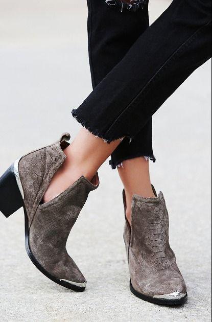 Open boots; Adamas Acessórios; looks de inverno no calor; sapatos abertos