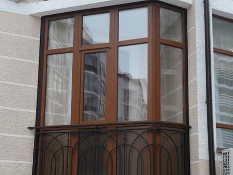 Когда лучше остеклить балкон, менять окна - зимой или летом?