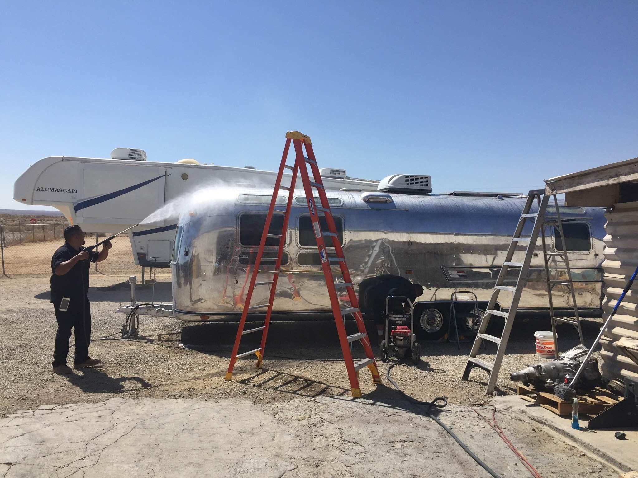 spraying airstream