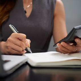 Compte bancaire professionnel : obligatoire pour la location meublée ?