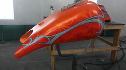 Mathias Airbrushing Orange Skull Bagger-1