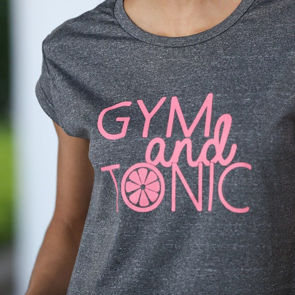 Gym and tonic t-shirt by Lesara
