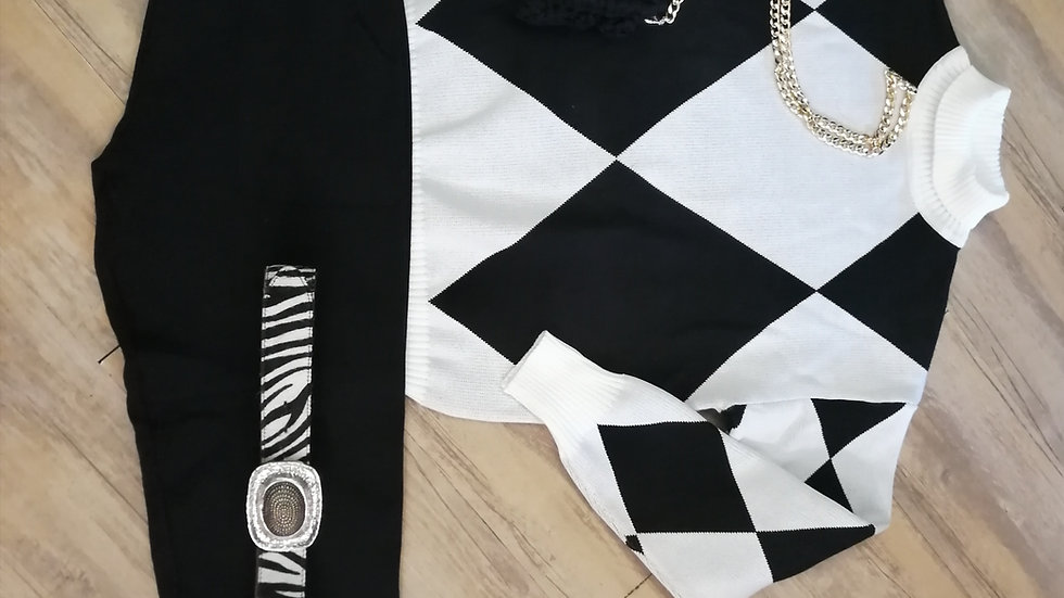 Ensemble pantalon noir, et pull noir et blanc