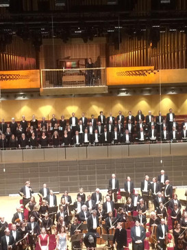 With Royal Stockholm Philharmonic Orchestra, Eric Ericsons Chamber Choir and conductor Michael Tilson Thomas at Stockholm Concert Hall