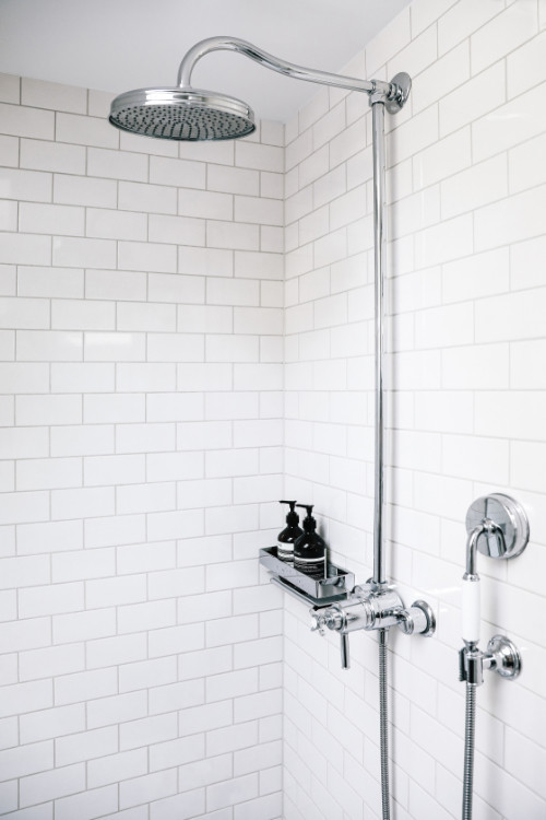 v_metrotile_bathroom_05.jpg