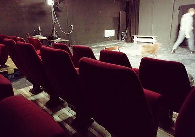 théâtre nouveaux sièges pour com'.jpg