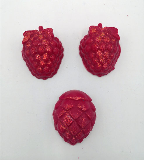Frosted Berries Wax Shapes