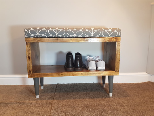 Small hall bench