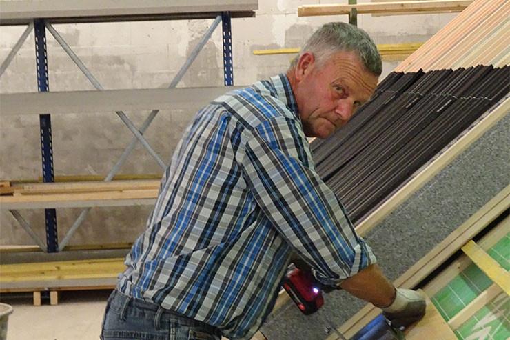 Instructeur Toon Janssen nieuwe opleidingsruimte hellende daken
