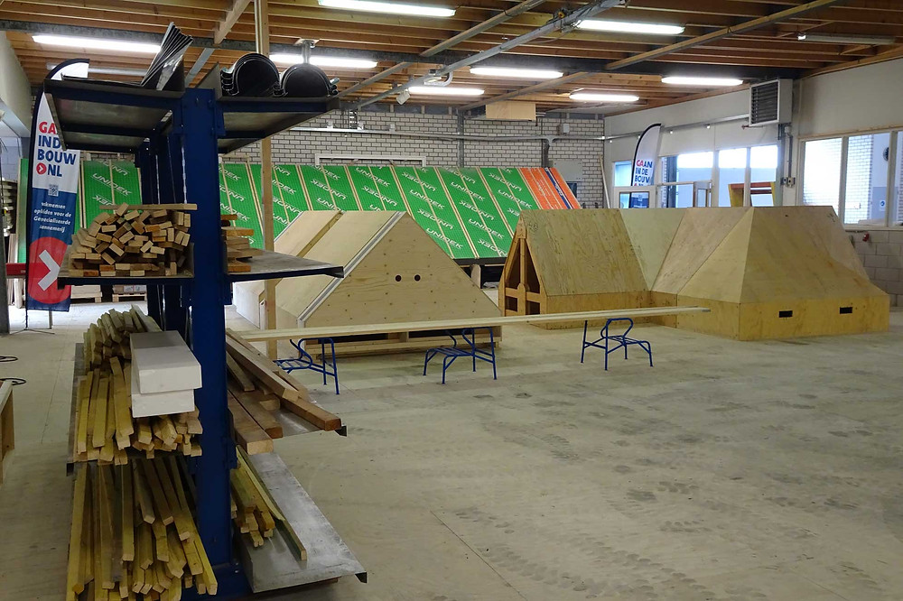 Nieuwe opleidingsruimte opleiding dakdekken hellende daken