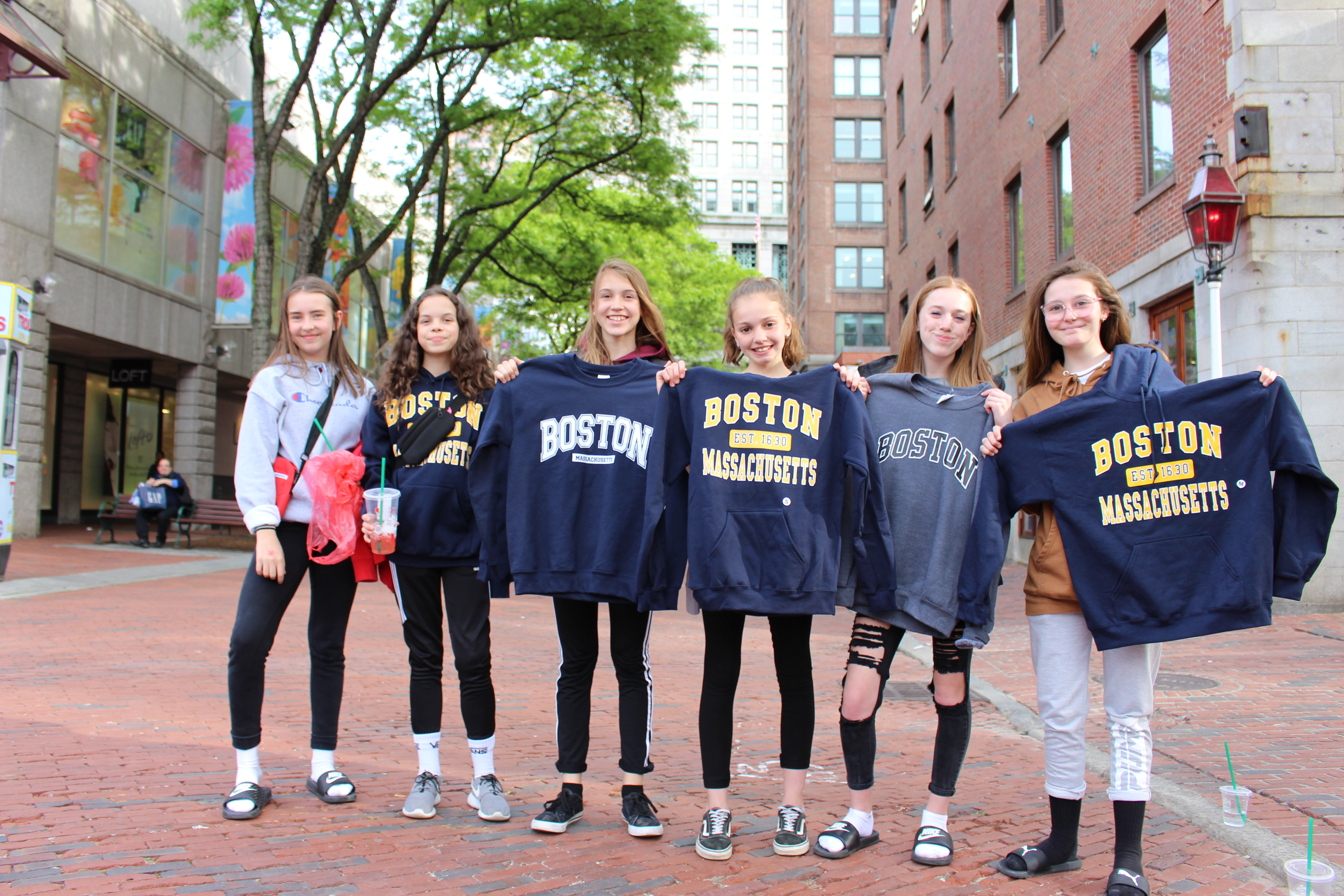 QM Boston sweaters Iness Livi Alicia Aly