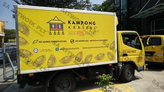 Kampong Kravers - Truck