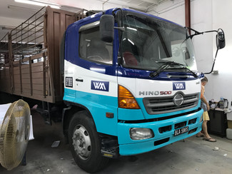 Weng Meng Delivery Truck