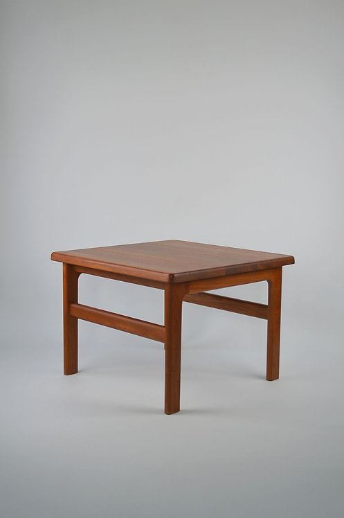 Deense volhouten salontafel ontworpen door Niels Bach, jaren '60