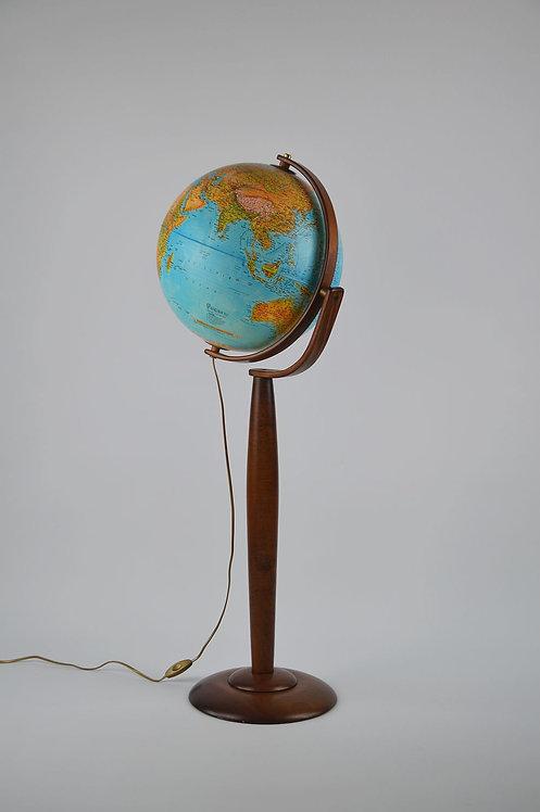 Duitse wereldbol met verlichting op elegante houten voet