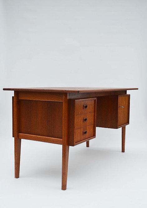 Karaktervol mid century bureau met mooie vormgeving, jaren '60
