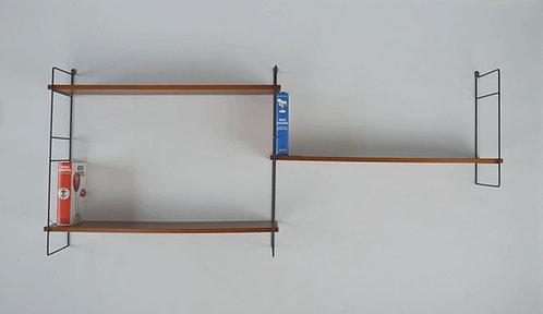 Mid-century wandrek met 3 metalen zijsteunen en 3 houten planken