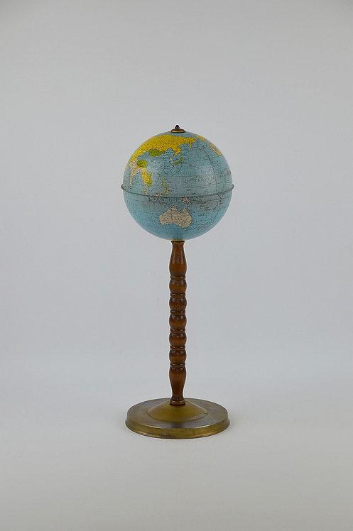 Amerikaanse wereldbol in metaal op staander, jaren '60