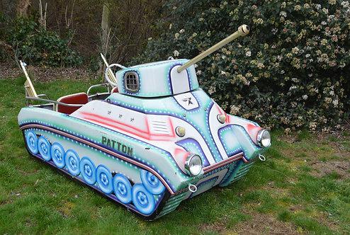 Kermismolen Patton tank van het befaamde merk L'Autopéde, jaren '60