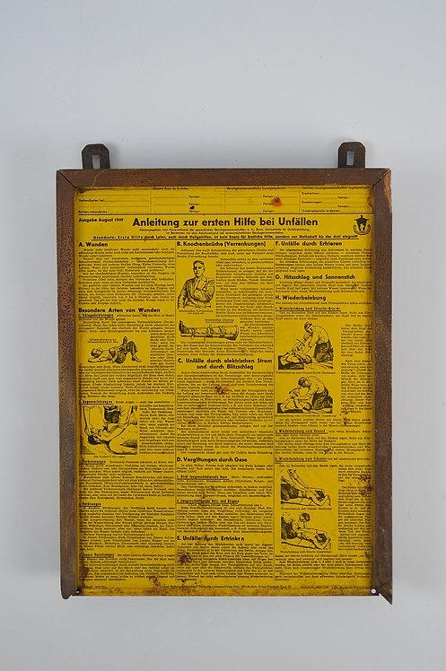 Duitstalig metalen bord met handleiding voor eerste hulp, 1949