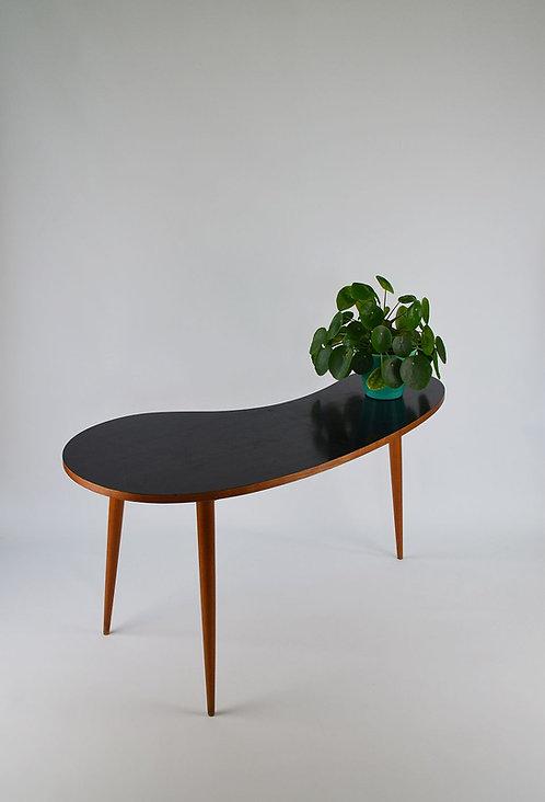 Grote niervormige tafel met formica bovenblad, jaren '50