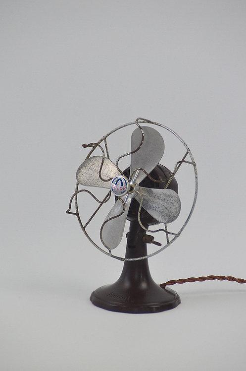 Antieke ventilator in bakeliet van Calor, jaren '40