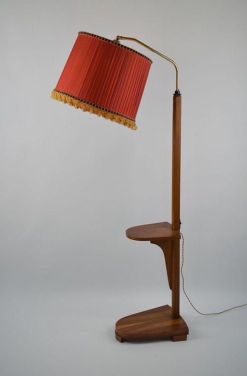 Typische fifties houten vloerlamp met kap en houten staander