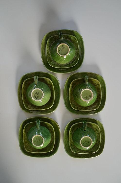 5 Vintage Boch New Time sets van tas, ondertas & dessertbord