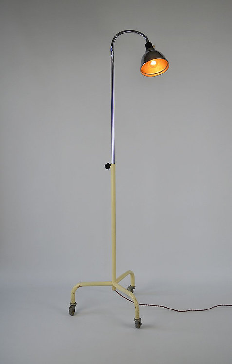 Verstelbare dokterslamp op wielen, jaren '50