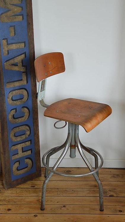 Industriële vintage atelierstoel van het Franse merk BAD