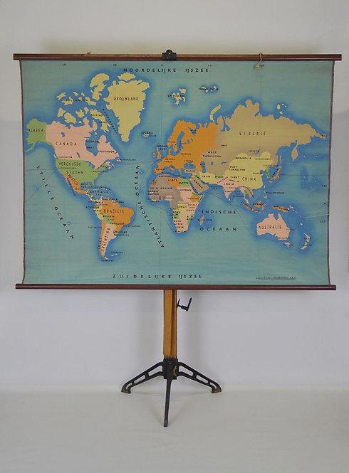 Handgeschilderde wereldkaart op linnen, jaren '50