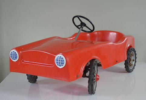 Charmante vintage trapauto van het Italiaanse merk Moplen