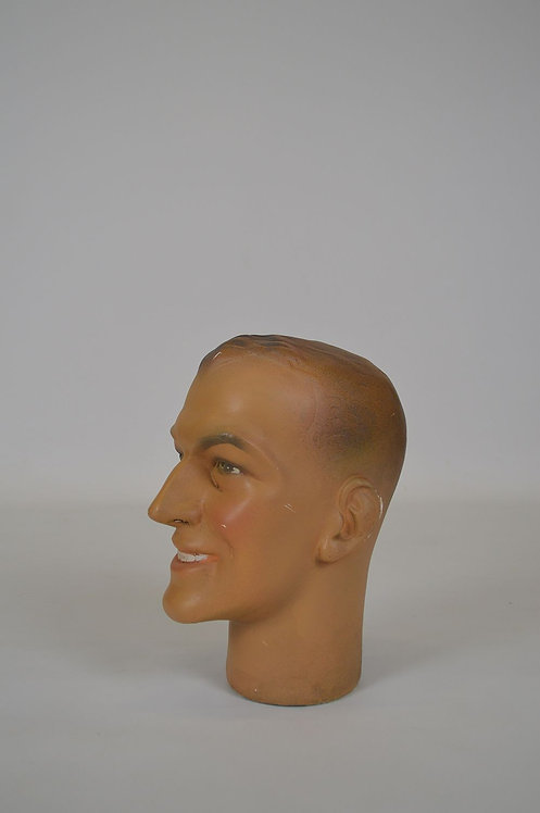 Levensgroot hoofd gemaakt uit plaaster