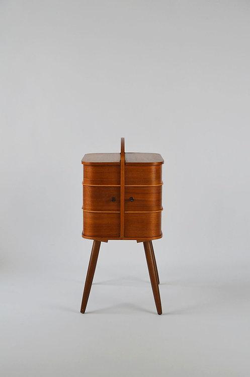 Deense mid-century naaikist met prachtige vormgeving, jaren '60
