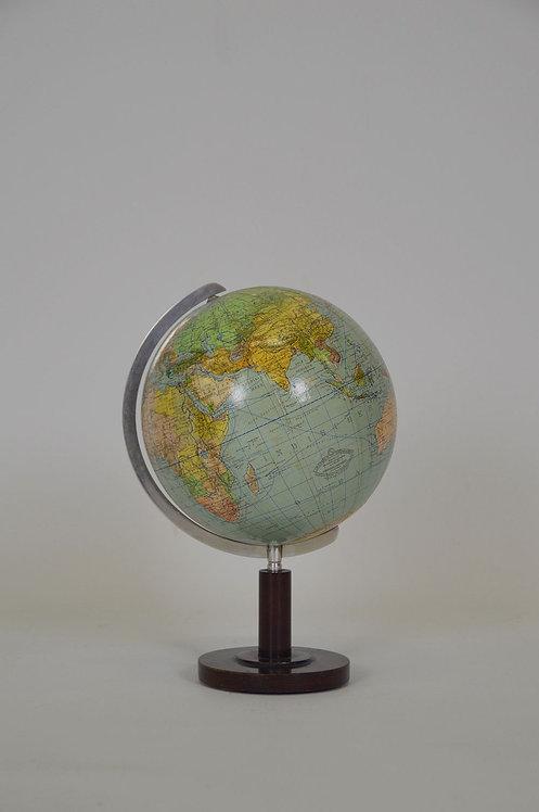 Wereldbol van Columbus in papier maché op houten voet