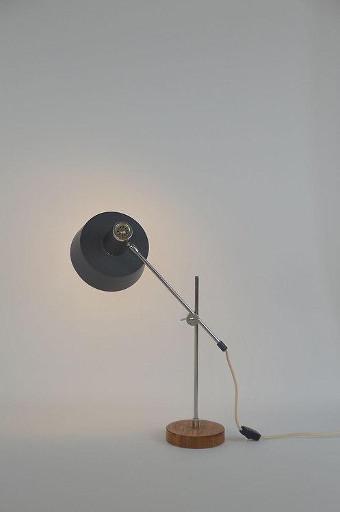 Bureaulamp ontworpen door  J. Hoogervorst voor Anvia, jaren '60