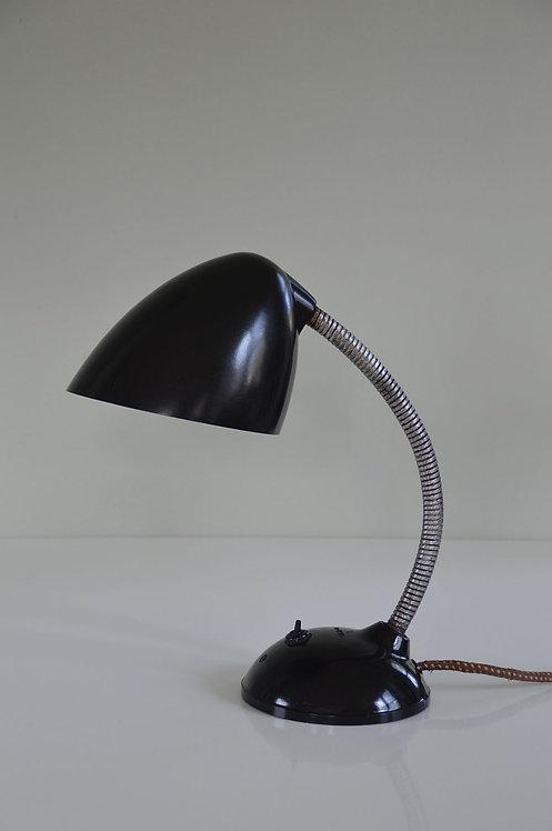 Industriële Bauhaus bureaulamp in bakeliet van E.K. Cole, jaren '30