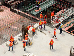 Heat exposure and injury risk among outdoor construction workers
