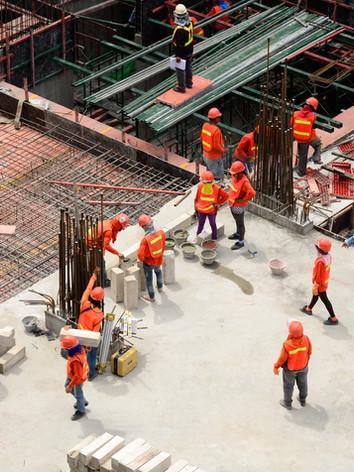 pekerja konstruksi