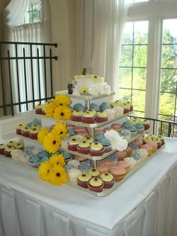 wedding cupcake tier.jpg