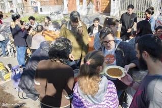 BANCAMOS LA OLLA POPULAR Y A QUIENES LE PONEN EL PECHO A LA CRISIS