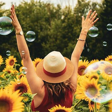Sonnenblumenfrau.jpg