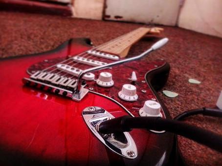 El guitarrista promedio, sus preparativos