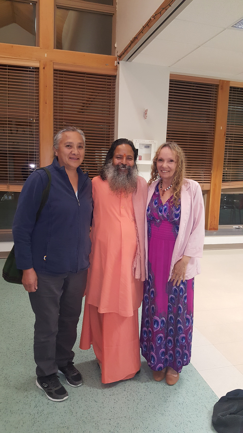Guruji  with Linda after Satsang