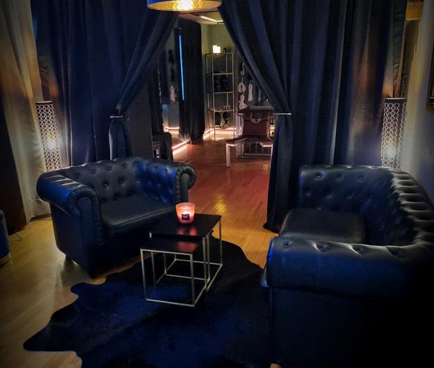 Lounge/Entree