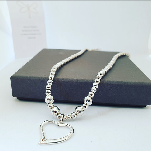 Heart necklace choker
