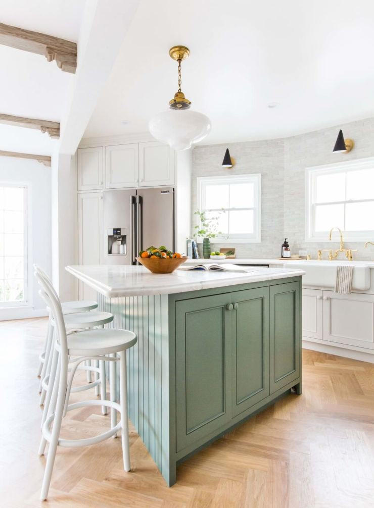Emily-Henderson_Frigidaire_Kitchen-Reveal_Waverly_English-Modern_Edited-Beams