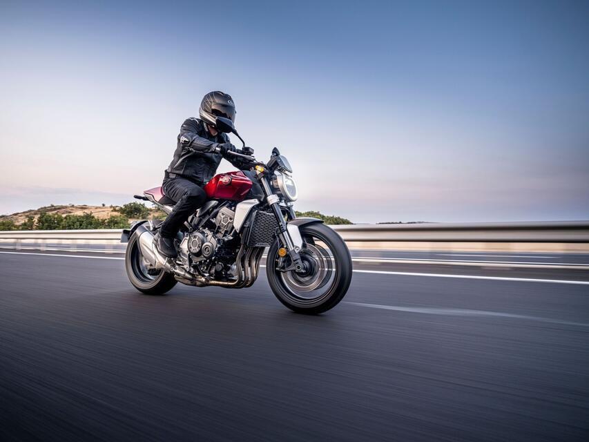 Honda_CB1000R_2021_003.jpg