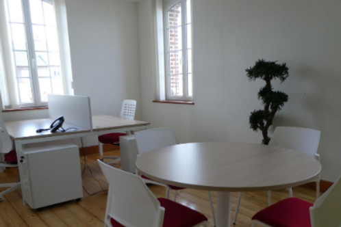 Bureau dans espace de coworking
