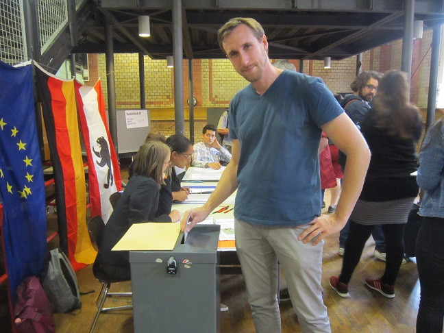 The Berlin Storyteller at the vote